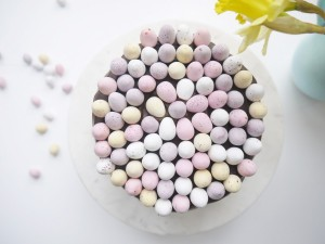 Make this perfectly pastel Speckled Egg Easter Cake